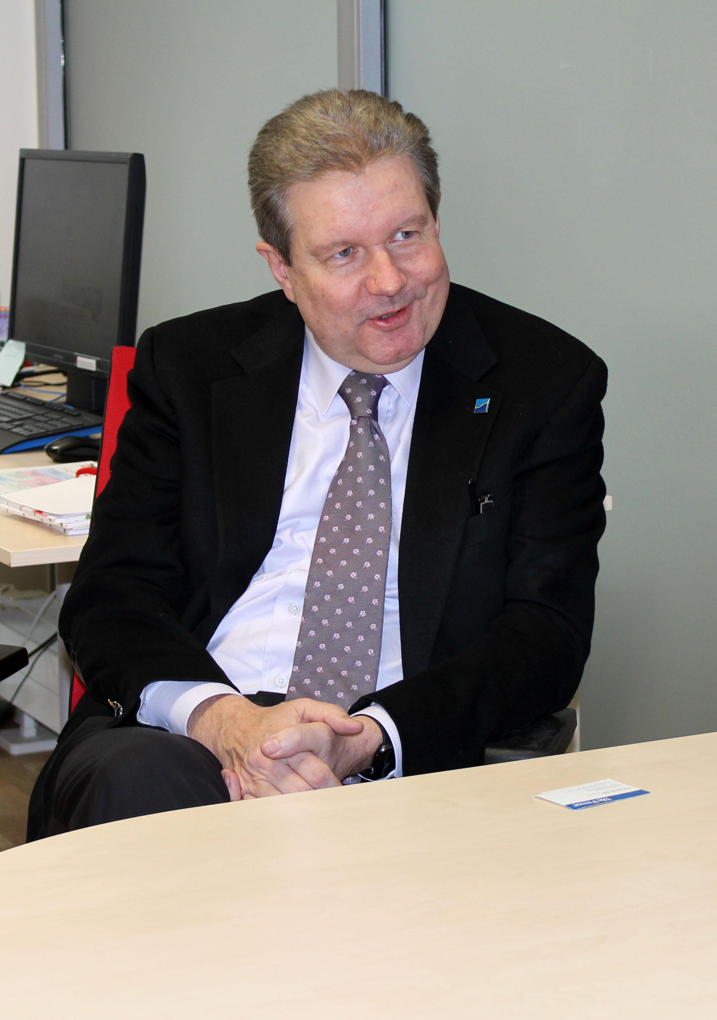 Dr. Peter Harold